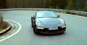 Porsche 911 Carrera 4S (On Wet Roads New 2013)