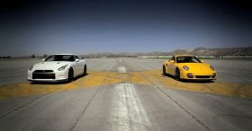 Porsche 911 Turbo S vs Nissan GT-R Black Edition