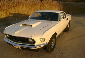 Ford Mustang – самая популярная модель ушедшего года на eBay