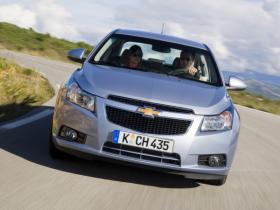 Экономия при покупке автомобилей Chevrolet Cruze 2012 года выпуска
